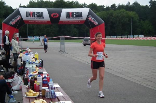 Latvijas čempione Evita Zariņa noliek savas pilnvaras, jo neplāno dalību 2013. gada sacensībās