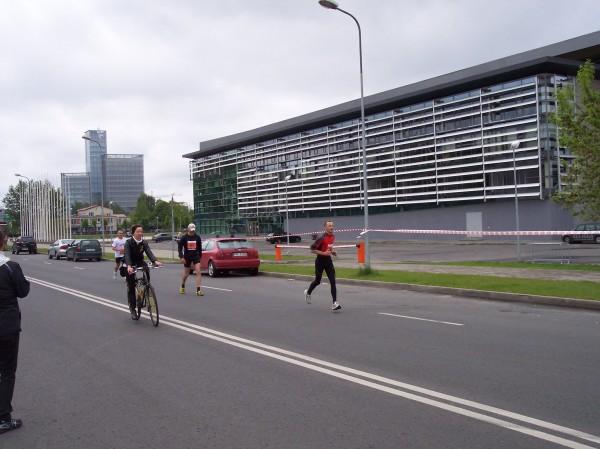 Izvēle ir vienmēr - skriet, kārtīgi trenēties un pēc tam burtiski lidot pa trasi, vai arī nošļukušu galvu vilkties uz finišu.