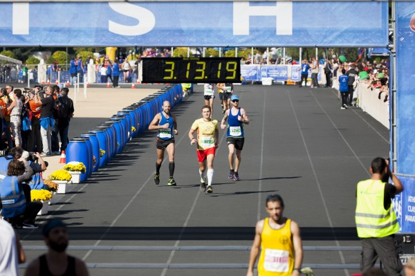 Atēnu maratona finišā Panathinaikos stadionā. Foto – Andrejs Zemdega