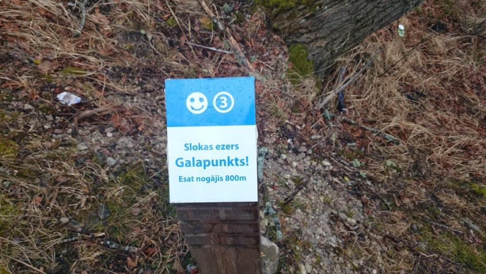 :) Šo zīmi mēs ieraudzījam, tad, kad bijām cauri brikšņiem noskrējuši 5 km