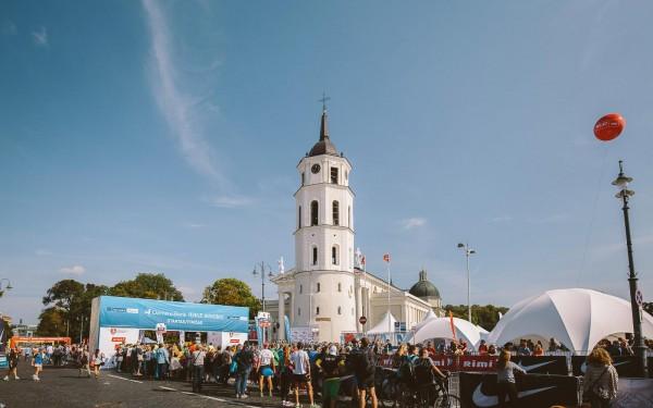 Starta/finiša zona pie katedrāles Viļņā