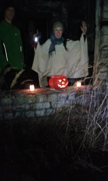 Helovīna naktī pie Lāčupes kapiem sastaptais ķirbītis