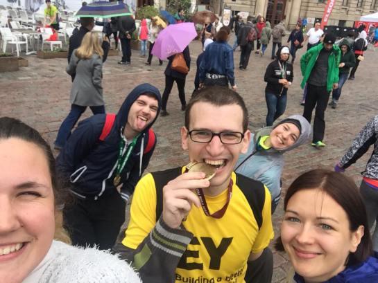 Sagaidīts arī mūsu maratonists. Foto: Baiba