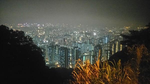 Pilsēta naktī