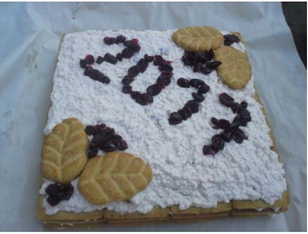 Piestāju pie SK Dzērvene sezonas noslēguma tortes.