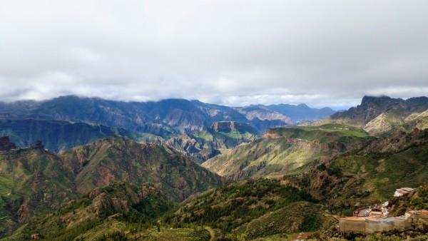 Par kalniem skaistāki var būt tikai kalni