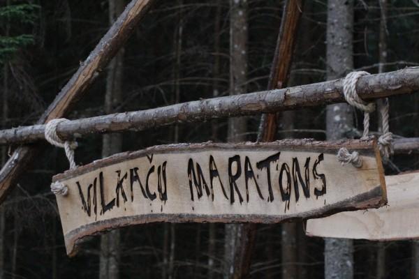 Diezgan nepieejama vieta, bet, kad pienāk vilkaču pulcēšanās laiks, nepieejamu vietu nav. (c)