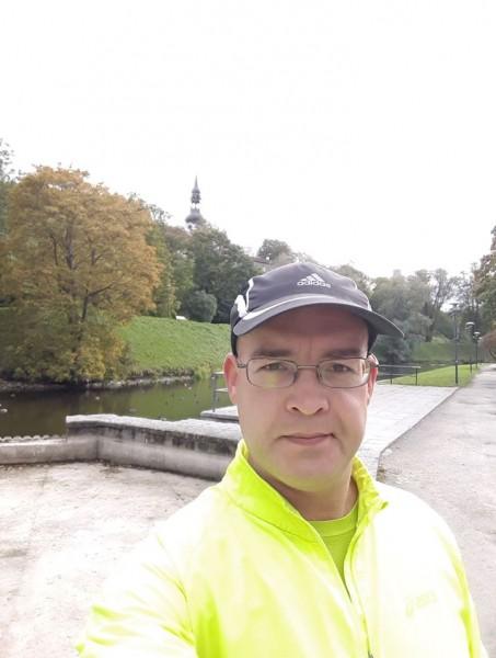 Riksis apkārt Tallinas vecpilsētai