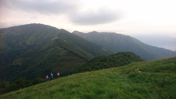 Maldīgā sajūta par būšanu virsotnē, ceļš vedīs priekšā esošajā kalnā