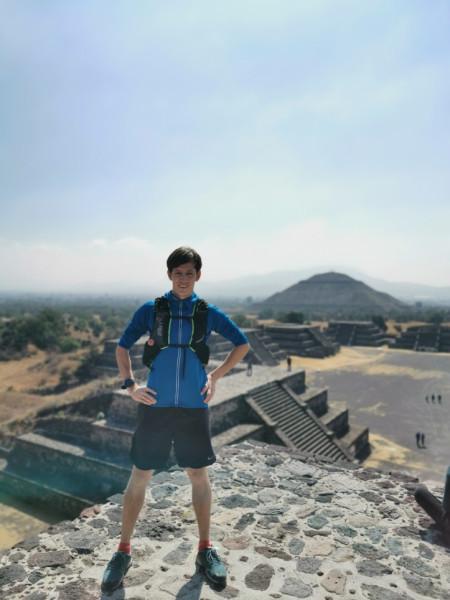 Andris piramīdās